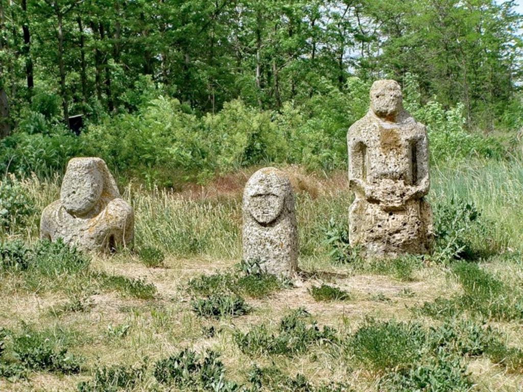 Каменная могила – следы древних знаний!