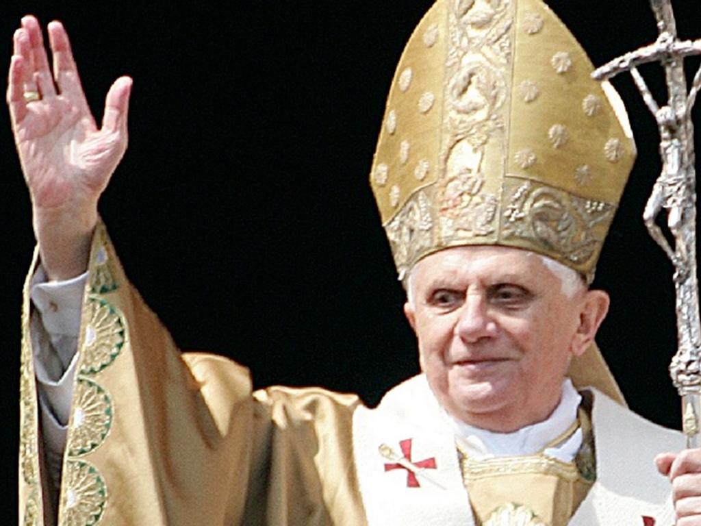 Ватикан меняет свои каноны! Политика  берёт верх!
